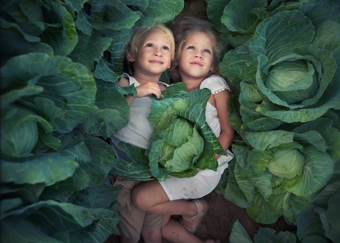 Dreamy Photos of Children Reveal the Overlooked Magic Hidden Within Every Day